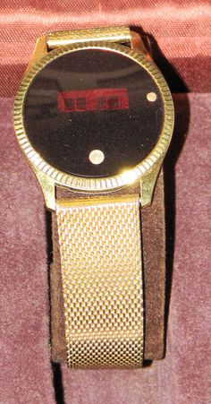 Vintage Jewelchron LED watch made in the 1970s.