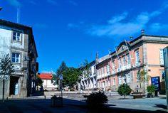 Boa tarde :D A Praça Municipal de Arcos de #Valdevez na tarde de Verão de hoje - 29º - http://ift.tt/1MZR1pw -