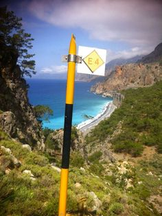 #maifermi Trekking E4 a Creta sulla costa libica. #CalzeGM in perfetta compagnia! http://www.gmsport.net/shop/summer-collection/outdoor-pro
