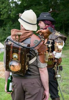 Iphone Advice That You Should Know About. Owning an iphone is both the best and worst in life. Style Steampunk, Steampunk Diy, Steampunk Clothing, Steampunk Fashion, Steampunk Dress, Conquest Of Mythodea, Steampunk Accessoires, Steampunk Gadgets, The Embrace