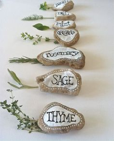 Herbs Gardening Herb Garden Marker Hand Painted Rock Decor Garden by FizzFinds - Painted Rocks Craft, Hand Painted Rocks, Painted Garden Rocks, Pierre Decorative, Garden Labels, Herb Labels, Plant Labels, Herb Garden Design, Marker Crafts