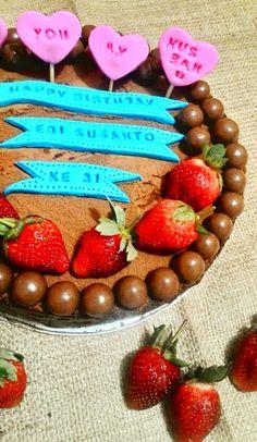 Kuih Maretha: Truffle Cake for My Husband Birthday