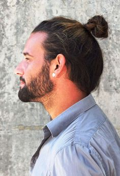 7 Types Of Man Bun Hairstyles Gallery How To- lazy hairstyles korean lazy hairstyles videos Man Bun Haircut, High Bun Hairstyles, Straight Hairstyles, Free Haircut, Woman Hairstyles, Man Bun Short Hair, Man Bun Styles, Haircuts For Men, Undercut