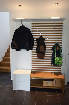 Garderobe mit Kindern - Flur ideen Cloakroom with children The cloakroom is an absolute eye-catcher. It is totally flexible. The material is warm and that very simple. Diy Bathroom Paint, Bathroom Hacks, White Bathroom, Oak Wardrobe, Front Hallway, Hallway Storage, Ikea Hallway, Small Hallways, House Entrance