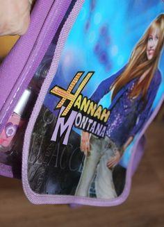 Kup mój przedmiot na #vintedpl http://www.vinted.pl/kosmetyki/kosmetyki-do-makijazu/13855061-torebka-kosmetyczka-hannah-montana-dla-dziewczynki