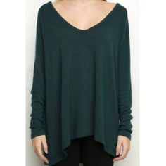 Brandy Melville Bobbie Knit Sweater Worn and laundered once, no rips tears or stains! Fits exactly like the model, or you can wear it off-shoulder Brandy Melville Sweaters V-Necks