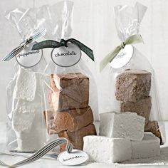 Day 7 - Food Gift Ideas Gourmet Marshmallows Recipe - Country Living Use this base recipe to make marshmallows for parties or homemade holiday gifts. Different flavors can be added to make a variety. Recipes With Marshmallows, Chocolate Marshmallows, Homemade Marshmallows, Peppermint Chocolate, Hot Chocolate, Chocolate Gifts, Christmas Desserts Easy, Christmas Food Gifts, Homemade Christmas