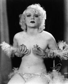 1920s pin up girl