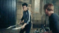 Alec Lightwood and Jace Herondale / Matthew Daddario and Dom Sherwood Alec Lightwood, Isabelle Lightwood, Malec, Shadowhunters Tv Show, Shadowhunters The Mortal Instruments, Cassandra Clare, Alec And Jace, Immortal Instruments, Fighting Gif