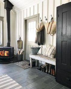 Do you love rustic farmhouse entryway? Entryway is a bridge or transition between outside the home and inside the house. It's no secret that you . Rustic Farmhouse Entryway, Modern Farmhouse, Farmhouse Ideas, Farmhouse Style, Cottage Entryway, American Farmhouse, Farmhouse Signs, Home Interior, Interior Design