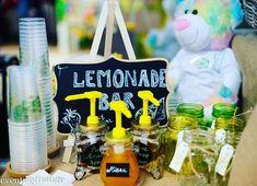 #atelieruldelimonada #lemonadebar #babyshower Lemonade Bar, Mai, Babyshower, Table Decorations, Instagram, Home Decor, Baby Sprinkle Shower, Homemade Home Decor, Baby Sprinkle
