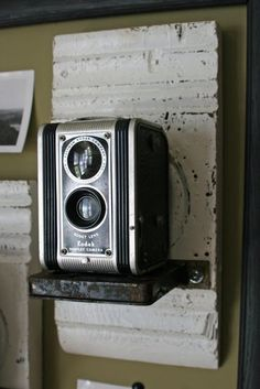 Mamie Jane's: Vintage Camera Display Perfect for my office!