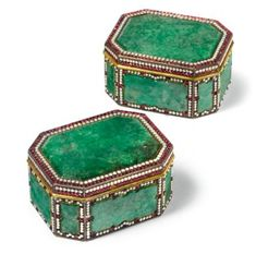 A RARE PAIR OF CANTON TRIBUTE EMBELLISHED SILVER-GILT JADEITE BOXES QING DYNASTY, QIANLONG PERIOD