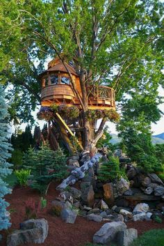 More ideas below: Amazing Tiny treehouse kids Architecture Modern Luxury treehouse interior cozy Bac Treehouse Masters, Treehouse Living, Building A Treehouse, Treehouse Ideas, House Building, Beautiful Tree Houses, Cool Tree Houses, House Beautiful, Luxury Tree Houses