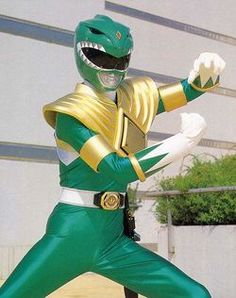 The once and future Green Ranger teleported to Chicago to talk about his time leading the Power Rangers . Power Rangers Memes, First Power Rangers, Power Rangers Toys, Go Go Power Rangers, Green Power Ranger, Power Ranger Cake, Overwatch Comic, Overwatch Memes, Jason David Frank