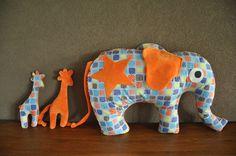 www.farbenmix.de voor het patroon van de olifant.