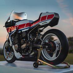 We're blown away. Derek Kimes' turbocharged Yamaha XJ750 Maxim is custom perfection.