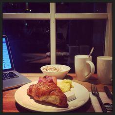 Goedemorgen #hotelontbijtje! (En koffie... veeeel koffie!) :-)