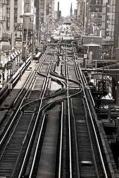 Train tracks on Chicago Loop, windy city, midwest, trains, tracks, lines, urban, city, transportation, overland, skyscraper, curve, transport,