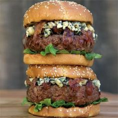 Burgers with Blue Cheese and Caramelized Onion Jam