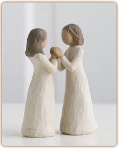 Sisters by Heart - Celebrating a treasured friendship of sharing and understanding. Shop at the official Willow Tree website, home to Susan Lordi's line of carved hand-painted figurative sculpture. Angel Sculpture, Garden Sculpture, Sculpture Art, Clay Sculptures, Willow Tree Engel, Willow Tree Figuren, Sisters By Heart, Three Sisters, Collectible Figurines