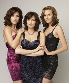 Brooke, Haley & Peyton from One Tree Hill Les Freres Scoot, Thats 70 Show, One Tree Hill Quotes, Bethany Joy Lenz, Hilarie Burton, Prom Poses, Sophia Bush, Film Serie, Celebs