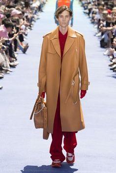 Louis Vuitton Spring 2019 Menswear Fashion Show Collection: See the complete Louis Vuitton Spring 2019 Menswear collection. Look 37