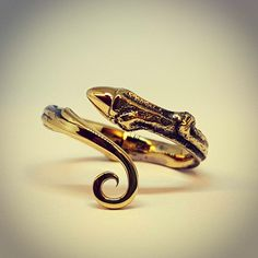"""twig"" gold ring ""by normann"""