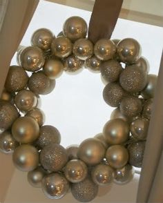 Christmas Ornament Wreath - Under the Table and Dreaming