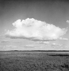 Clouds over Store Mosse peat bog and mire area at lake Kävsjön. Date: 04.08.1945. Mårten Sjöbeck.