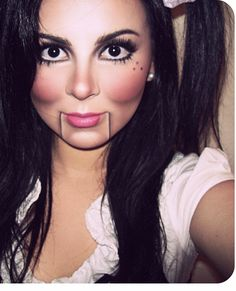 I love the contouring on the cheeks and chin. Halloween idea