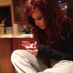 I love everything about Chelsea Houska. Especially her dark red hair