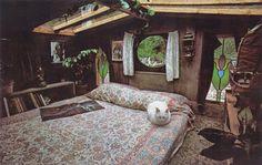 fletchingarrows:  bohemianhomes:  House Boats, Floating Homes, via Moon to Moon   so many plants