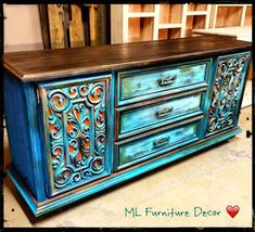Idee per mobili funky – Recycled Furnitures Ideas Turquoise Furniture, Funky Painted Furniture, Distressed Furniture, Refurbished Furniture, Paint Furniture, Repurposed Furniture, Furniture Projects, Furniture Makeover, Furniture Decor