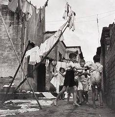 Uma foto de um Cortiço no Brás em São Paulo/SP em 1950.