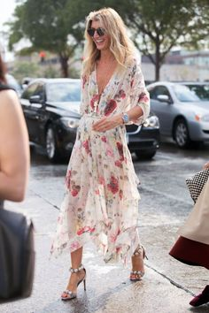 The best street style from New York Fashion Week Cool Street Fashion, Look Fashion, Fashion Outfits, Womens Fashion, Fashion Design, Dress Fashion, Teen Outfits, Fashion Sandals, Cheap Fashion