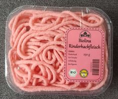 DIY Woll-Hackfleisch Biolina - DIY store of minced beef from wool threads with a self-made label for Pretend Food, Play Food, Food Patterns, Wool Thread, Diy Store, Homemade Baby Foods, Felt Food, Felt Diy, Grocery Store