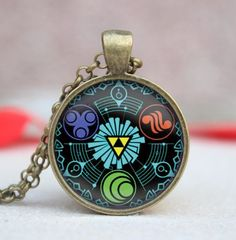 The Perfect necklace for every Legend Of Zelda Fanatics. Please note: any items ordered after Dec 4 might not arrive before Christmas as average ship time is 2-3 weeks