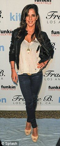 Shenae Grimes rocks out in a stylish fedora at Kitson fashion event. as Ashley Benson flashes her bra in see-through knitwear Charlotte Ross, Cassie Scerbo, Shenae Grimes, Steve Burton, Kelly Monaco, I Miss Her, Celebrity Outfits, Night Outfits, Her Style