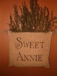 PRIMITIVE SIGN SWEET ANNIE