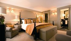 A 5 Star Luxury Hotel in New Delhi