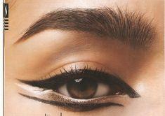 Eye Makeup Tips.Smokey Eye Makeup Tips - For a Catchy and Impressive Look Wolf Makeup, Cat Makeup, Makeup Art, Beauty Makeup, Makeup Style, Ninja Makeup, Makeup Pics, Eyeliner Makeup, Hair Beauty