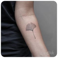 ginko leaf :-) #타투이스트리버 #tattoo #graffittoo #타투 #그라피투