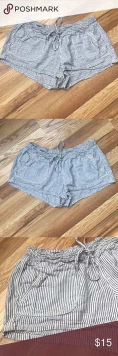 Striped Beach shorts Linen/Rayon Worn once Urban Outfitters Shorts