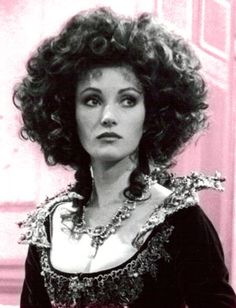 British actress Jane Seymour as Marguerite Blakeney in BBC 1982 miniseries 'the scarlet pimpernel' British Actresses, Actors & Actresses, Wig Styles, Curly Hair Styles, Anthony Andrews, The Scarlet Pimpernel, Jane Seymour, Black And White Pictures, Vintage Movies
