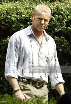 Actor David Morse walks on the set of his new television drama 'Hack' August 27, 2002 in Philadelphia, Pennsylvania. 'Hack' will premiere on CBS September 27, 2002.