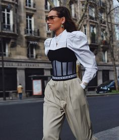 13 mars 2020 - Heuritech's Fashion Week Report provide exclusive data on top products, trends, brands, and designers from street style to the runway. Crazy Runway Fashion, Fashion 2020, Fashion Week, Look Fashion, 90s Fashion, Couture Fashion, Fashion Design, High Fashion Outfits, High Fashion Men