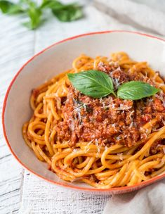 Spaghetti Bolognese – The Food Joy Bolognese Recipe, Bolognese Sauce, Spaghetti Bolognese, Whole Food Recipes, Dinner Recipes, Pasta Recipes, Best Spaghetti, How To Dry Oregano, How To Cook Pasta