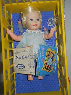 Is it weird that i want this for Christmas?  ORIGINAL CASE 1960'S DELUXE READING SUZY CUTE IN CRIB!