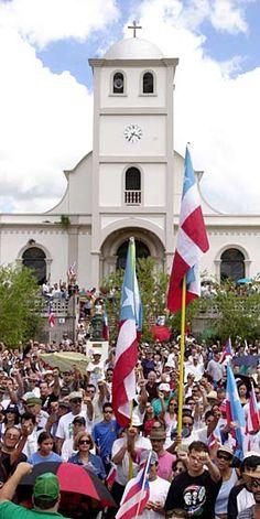 Plaza de la Revolución Lares, Ciudad del Grito de Libertad contra los Colonizadores Españoles.